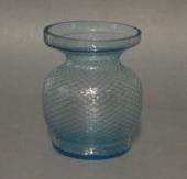 Gammelt turkis hyacintglas med ternet optik Fyens Glasværk