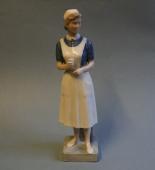 SOLGT Kgl. porcelænsfigur 4507 Sygeplejerske